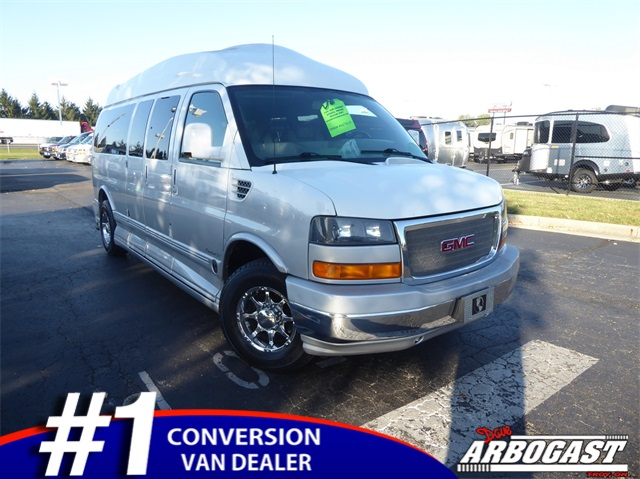 Pre-Owned 2009 GMC Conversion Van Explorer Limited SE