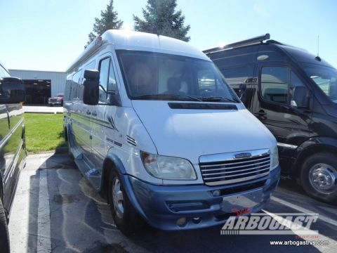 Pre-Owned 2006 Leisure Travel Free Spirit 210B